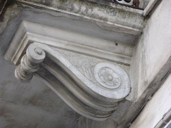 Capitelli mensole colonne in pietra ditta anile diego for Disegni frontali in pietra