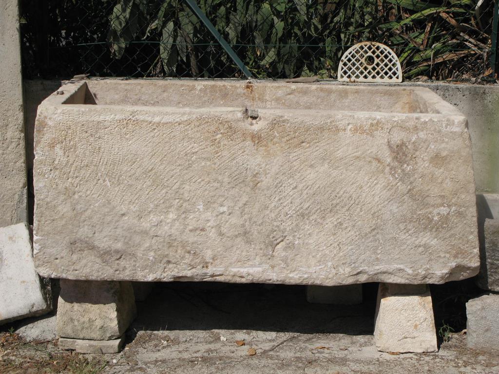Vasche In Pietra Per Fontane galleria foto fontane e vasche in pietra | ditta anile diego
